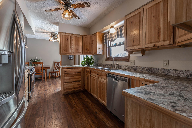 6111 S Morrice Rd - Kitchen - 12