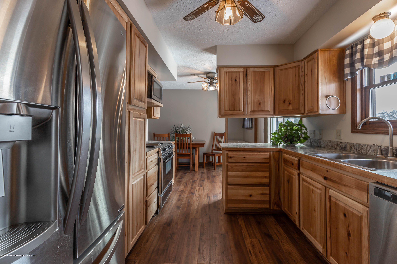 6111 S Morrice Rd - Kitchen - 11