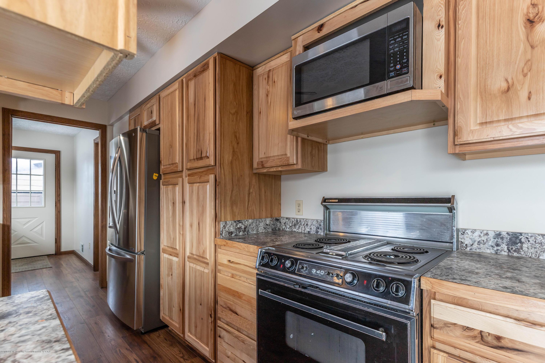 6111 S Morrice Rd - Kitchen - 9