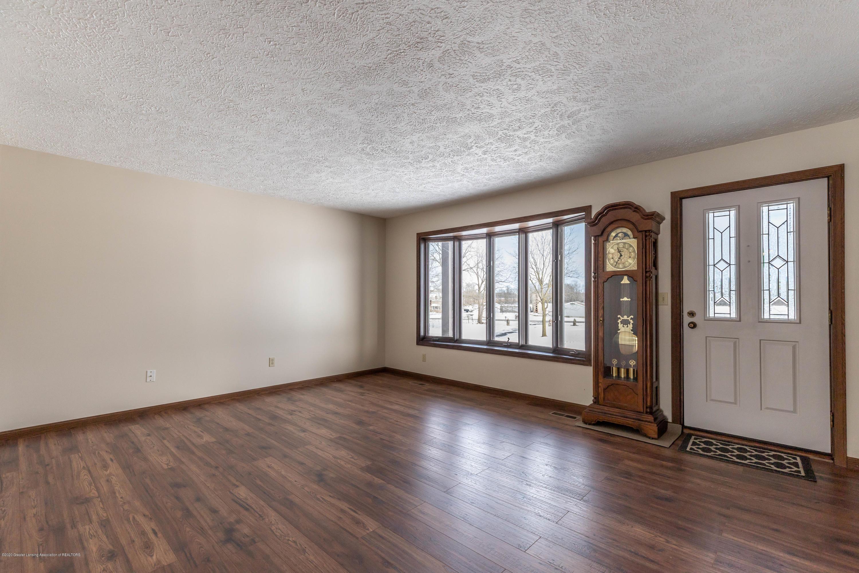 6111 S Morrice Rd - Living Room - 3