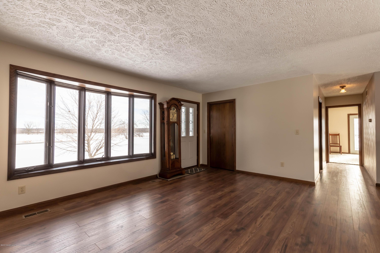 6111 S Morrice Rd - Living Room - 4