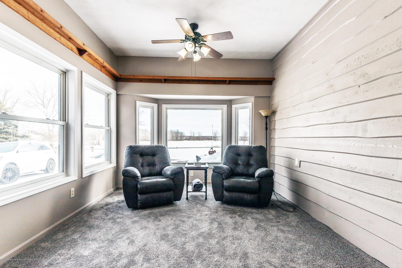 6111 S Morrice Rd - Family Room - 15