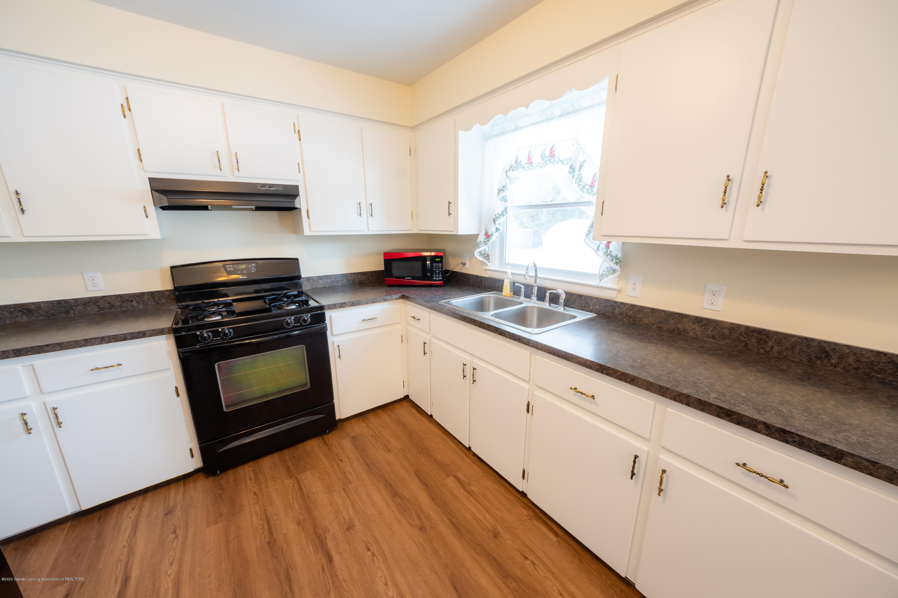 1480 W Herbison Rd - Kitchen (3) - 7