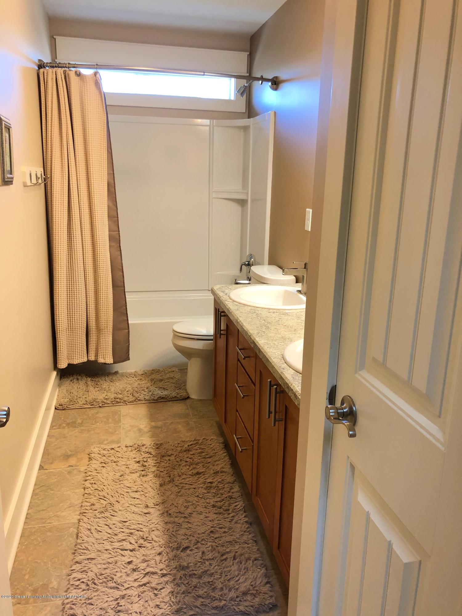 13860 Lapham Dr - Full Bathroom Upstairs - 14