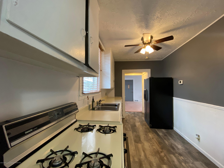 5676 Shaw St - Kitchen - 5