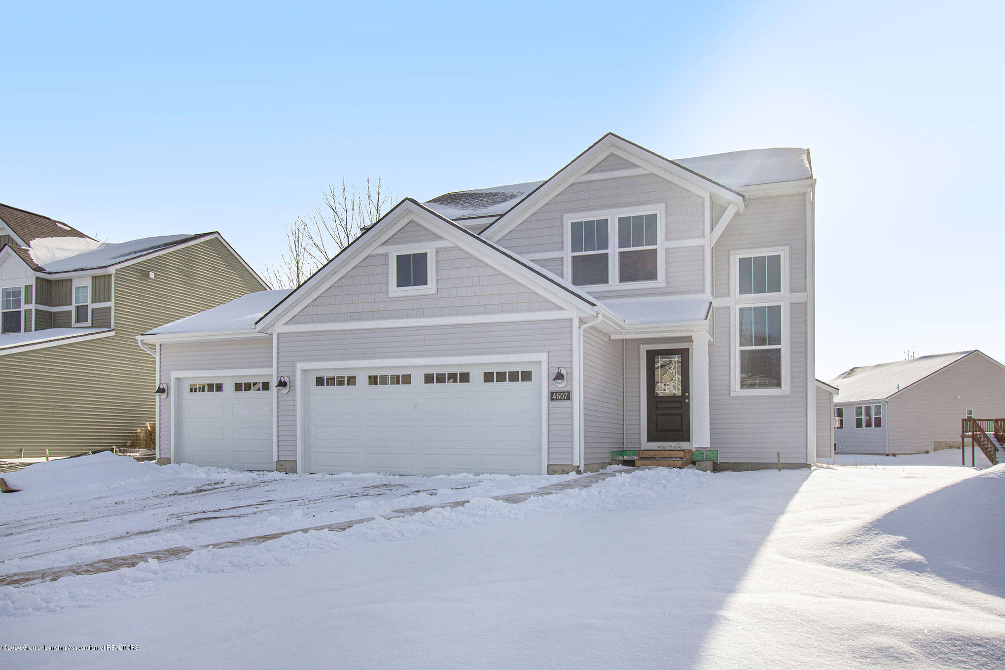 4607 Bison Dr - Front View - 2