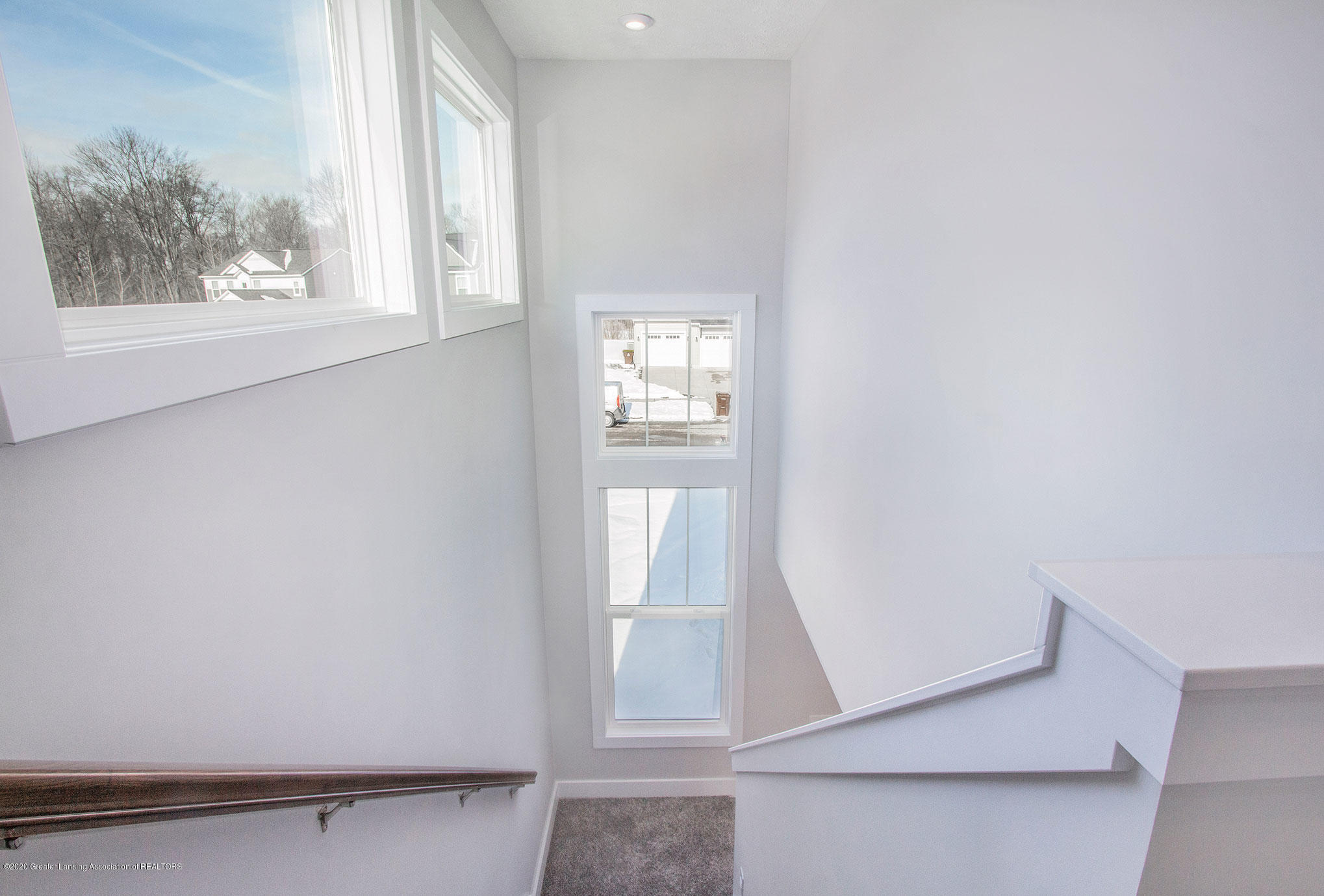 4607 Bison Dr - Stairs to Upper Level - 17