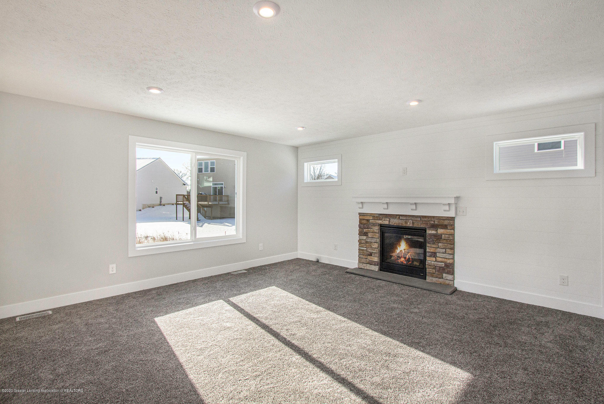 4607 Bison Dr - Living Room - 15