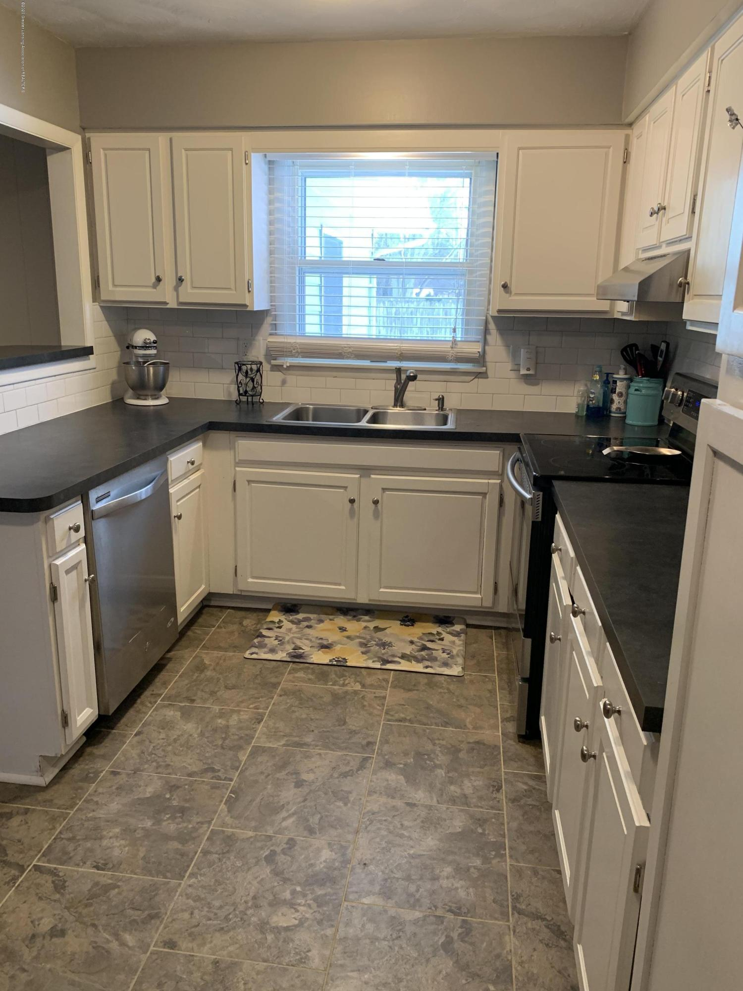 7895 W Herbison Rd - kitchen - 5