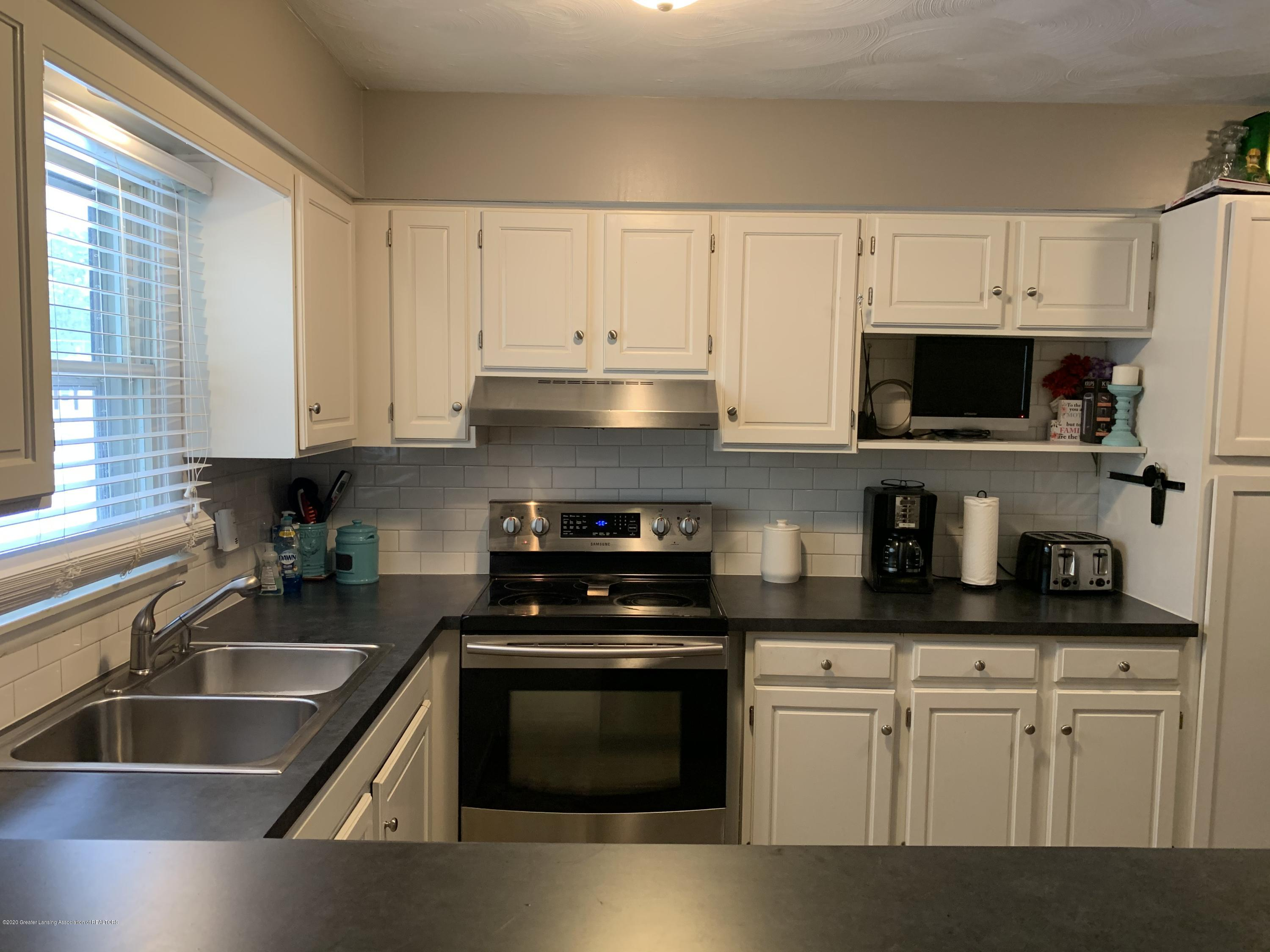 7895 W Herbison Rd - kitchen - 6