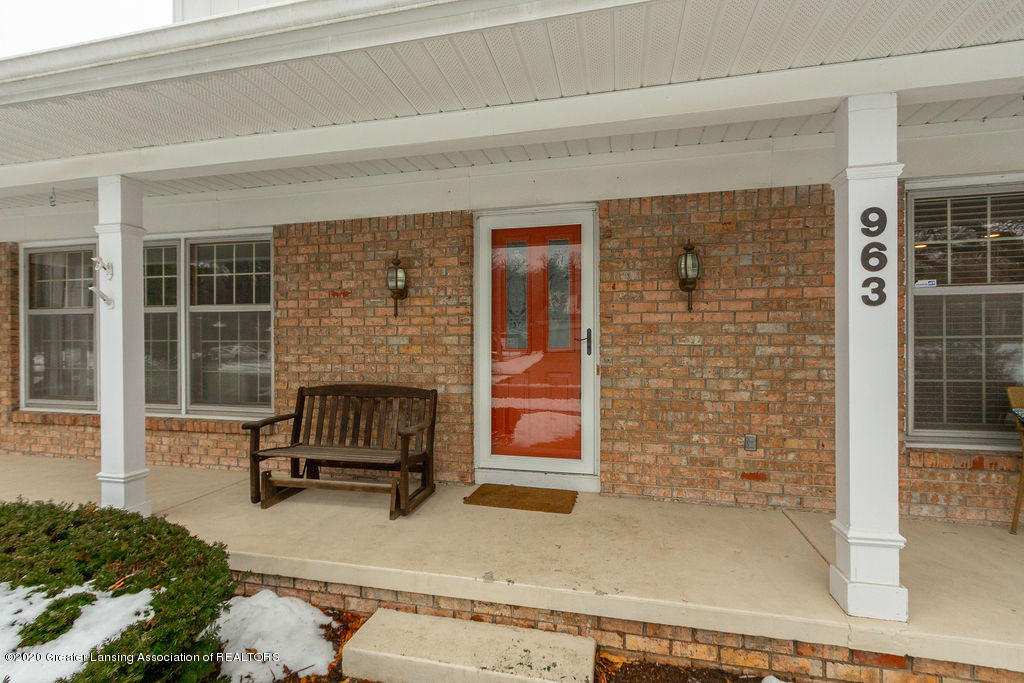 963 Longfellow Dr - Porch - 4