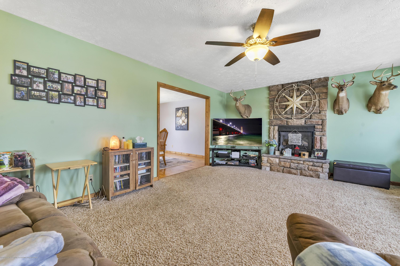 2471 E Braden Rd - Living Room - 4