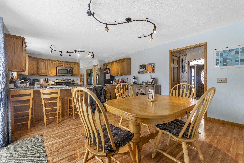 2471 E Braden Rd - Eat in Kitchen/Kitchen - 9