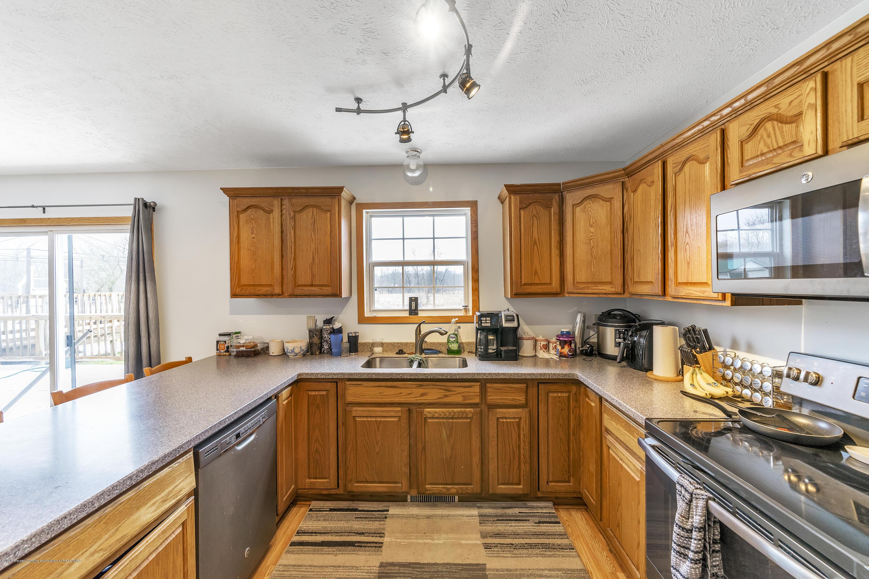 2471 E Braden Rd - Kitchen - 10