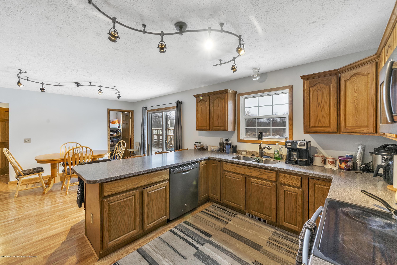 2471 E Braden Rd - Kitchen - 12