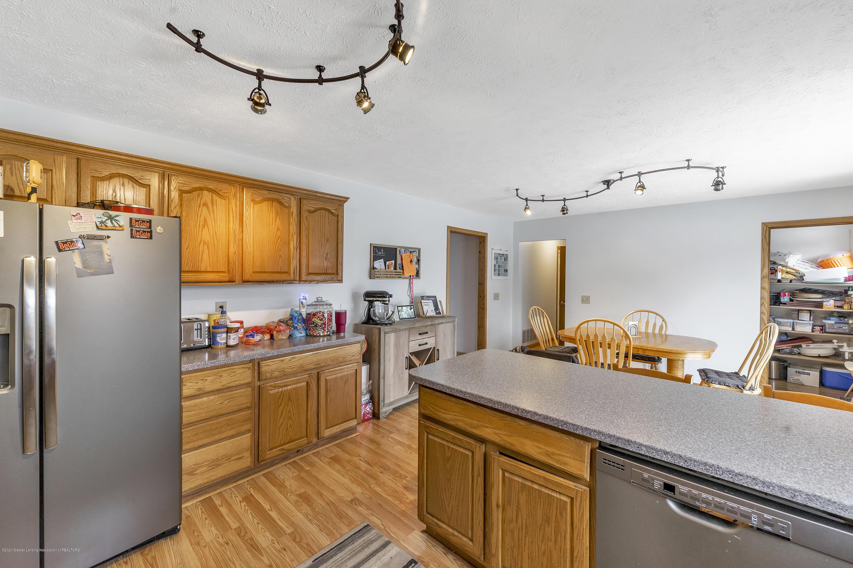 2471 E Braden Rd - Kitchen - 13