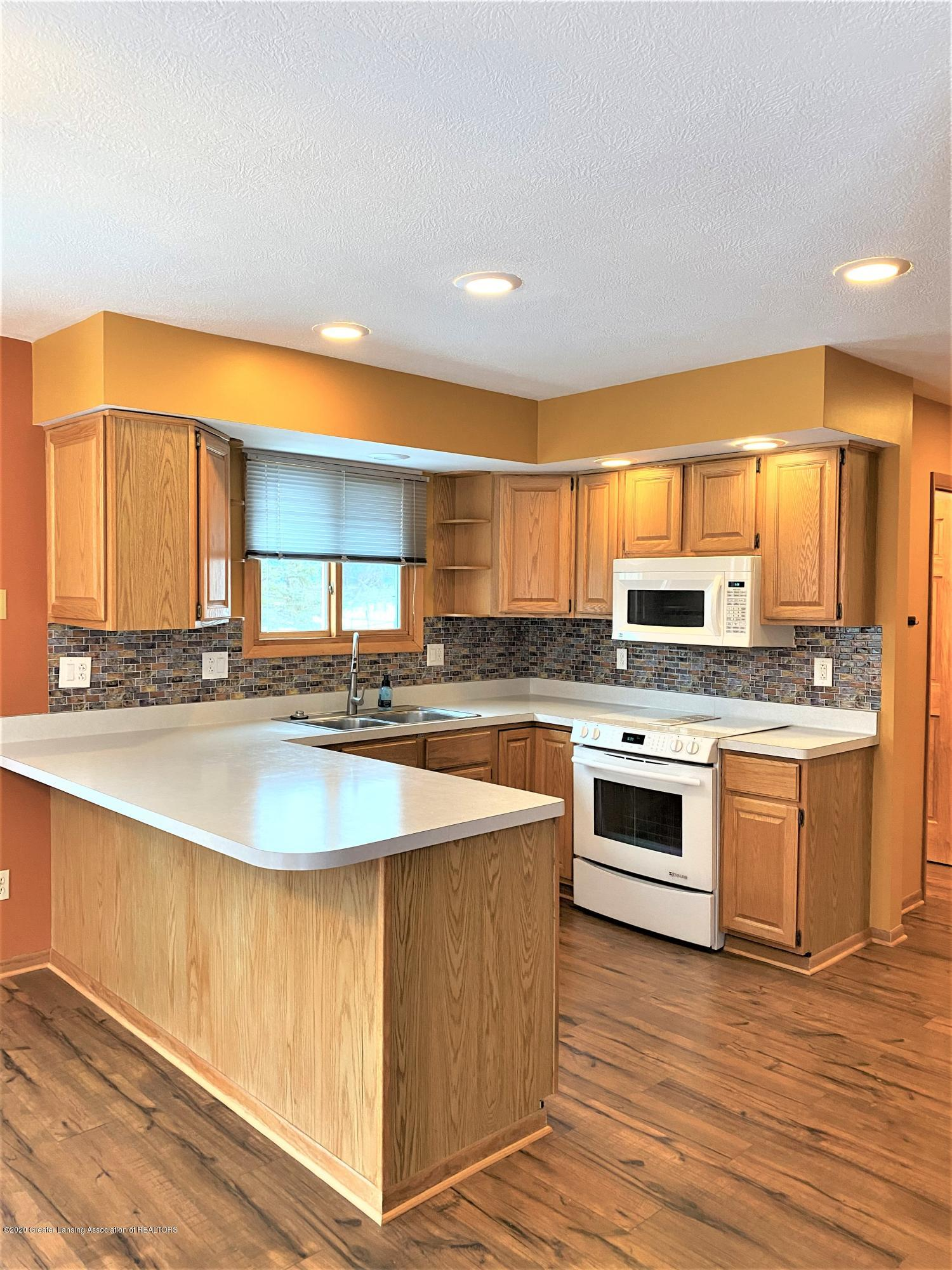 2475 Walenjus Ct - Kitchen 2 - 7