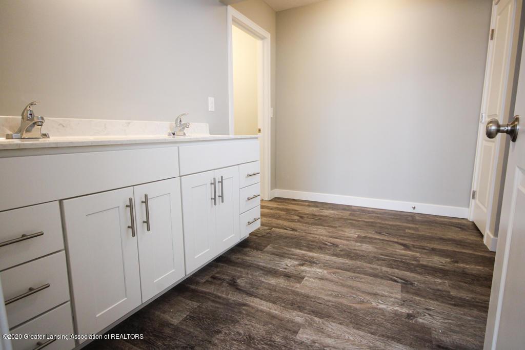 621 Muirfield Dr  - Bathroom - 14