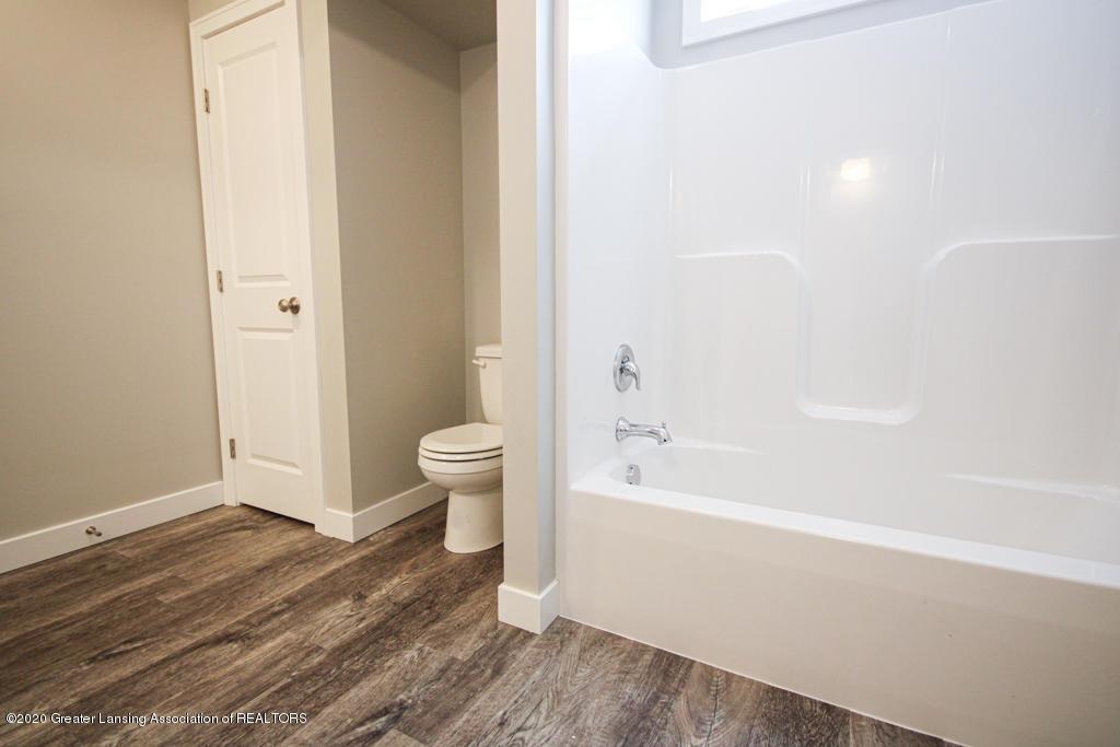 621 Muirfield Dr  - Bathroom - 15