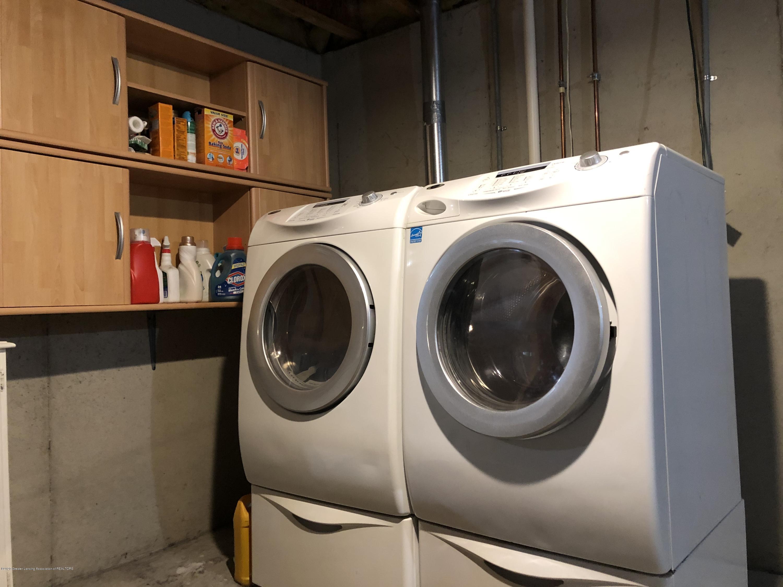 2021 Secretariat Ln - laundry area - 25
