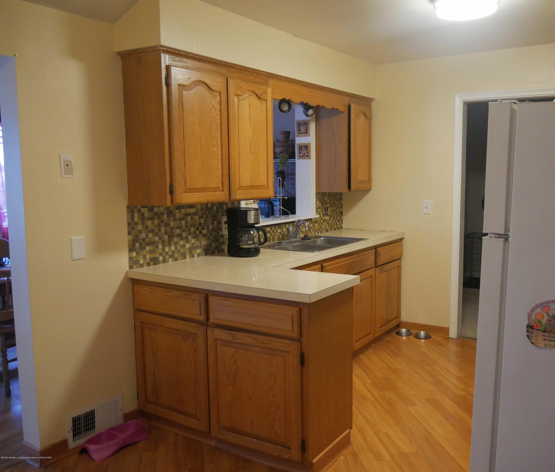 4921 Devonshire Ave - Kitchen - 4