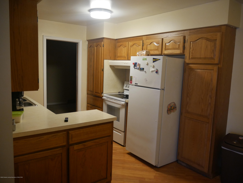 4921 Devonshire Ave - Kitchen - 6