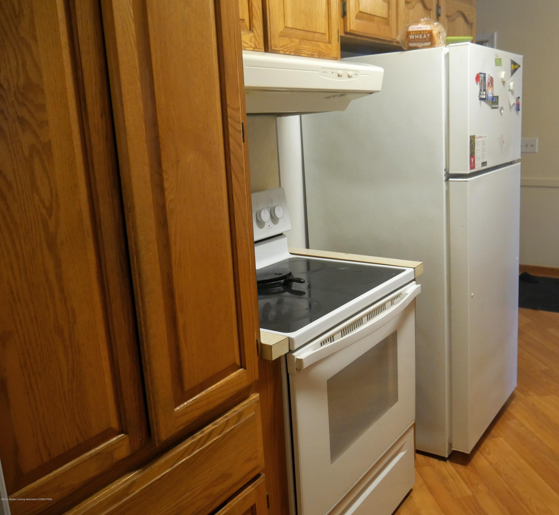 4921 Devonshire Ave - Kitchen - 7