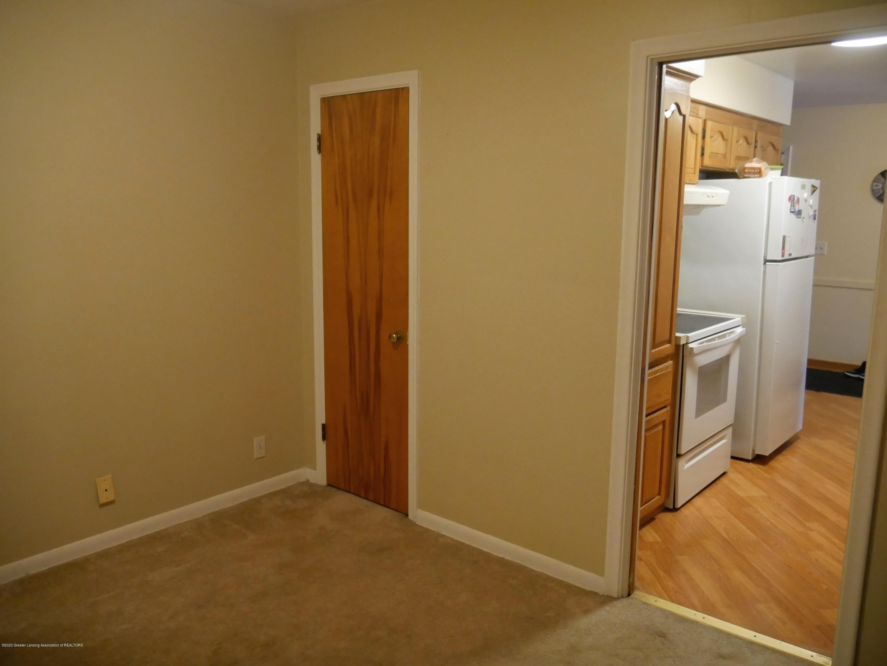 4921 Devonshire Ave - Other Room - 8
