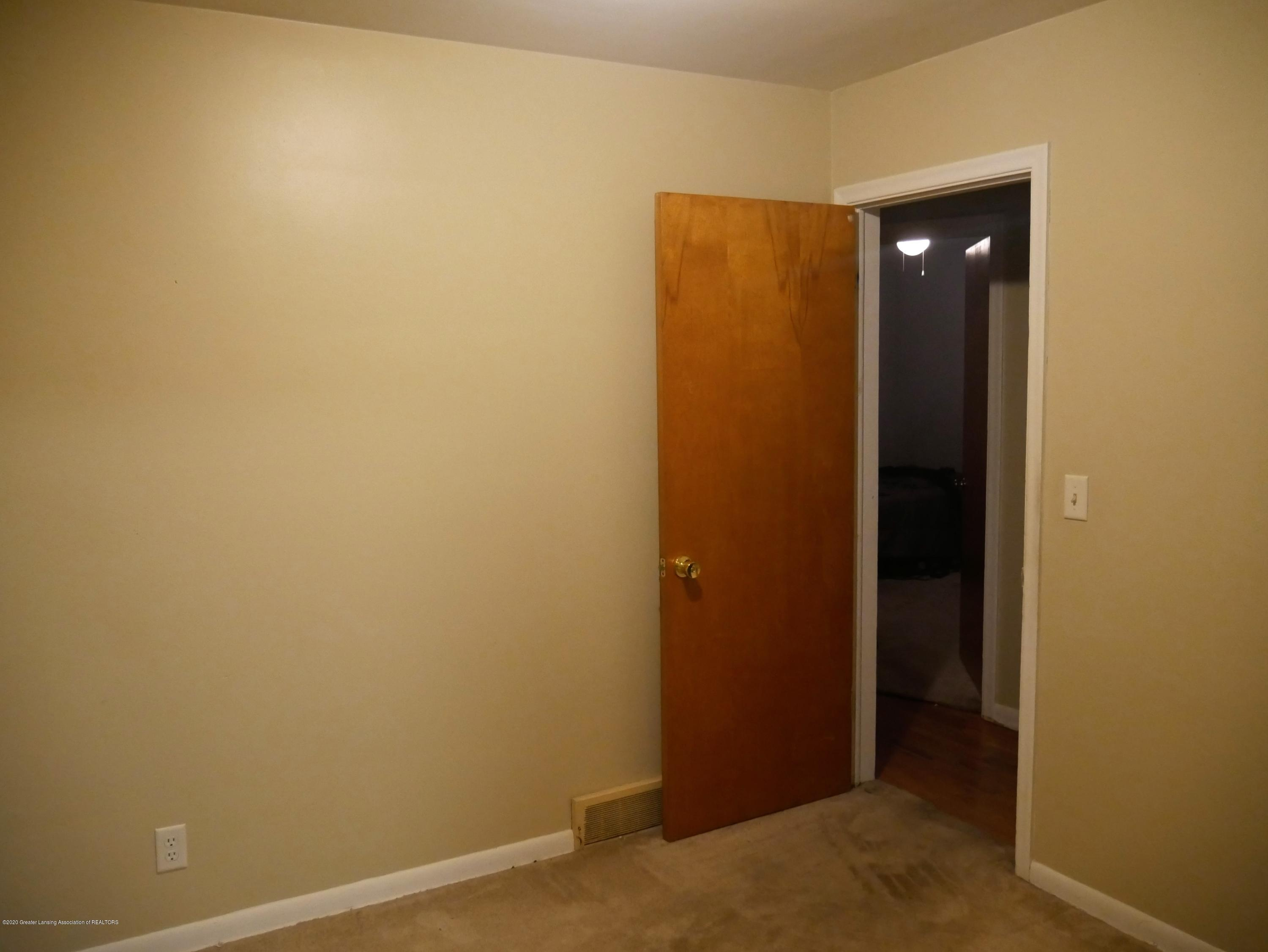4921 Devonshire Ave - Other Room - 9