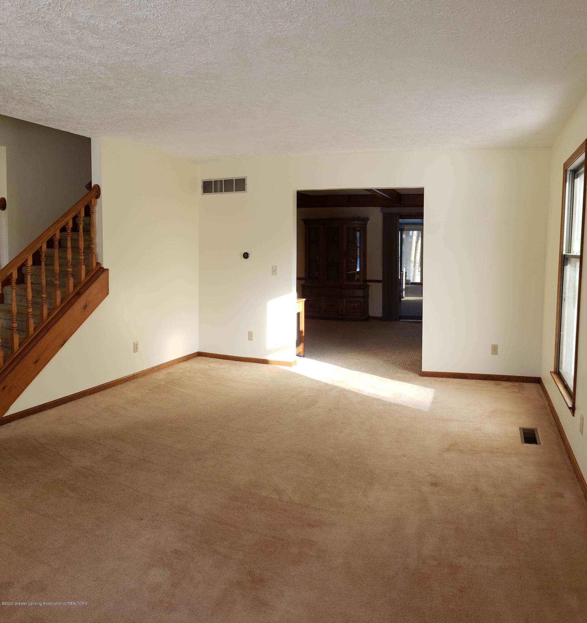 4284 Conifer Cir - Living room 1 - 8