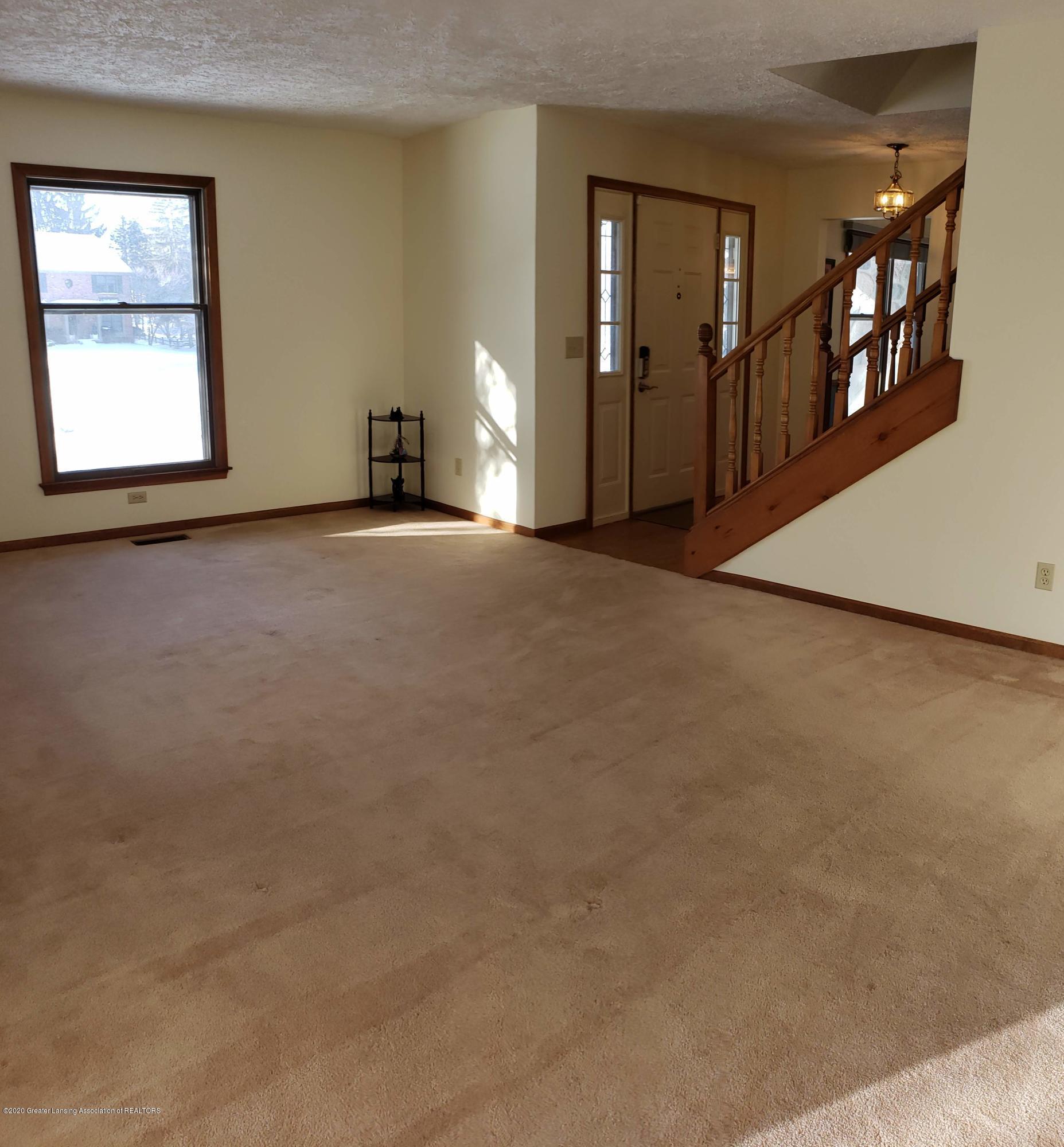 4284 Conifer Cir - living room 4 - 11