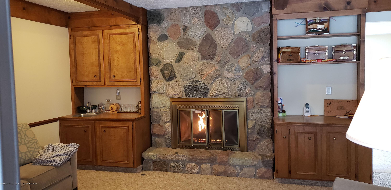 4284 Conifer Cir - fireplace - 20