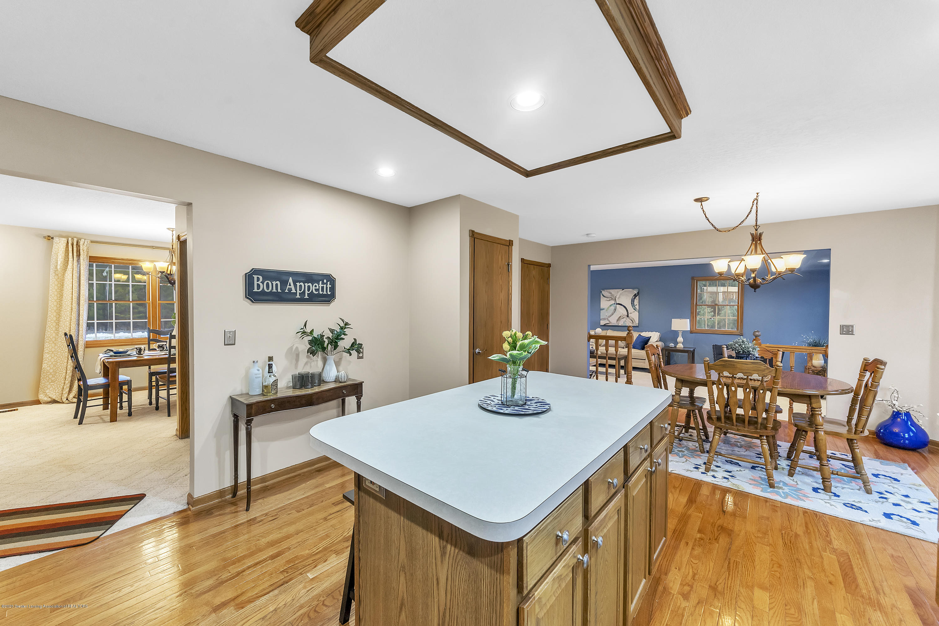 2440 Gilbert Rd - Kitchen Island - 15