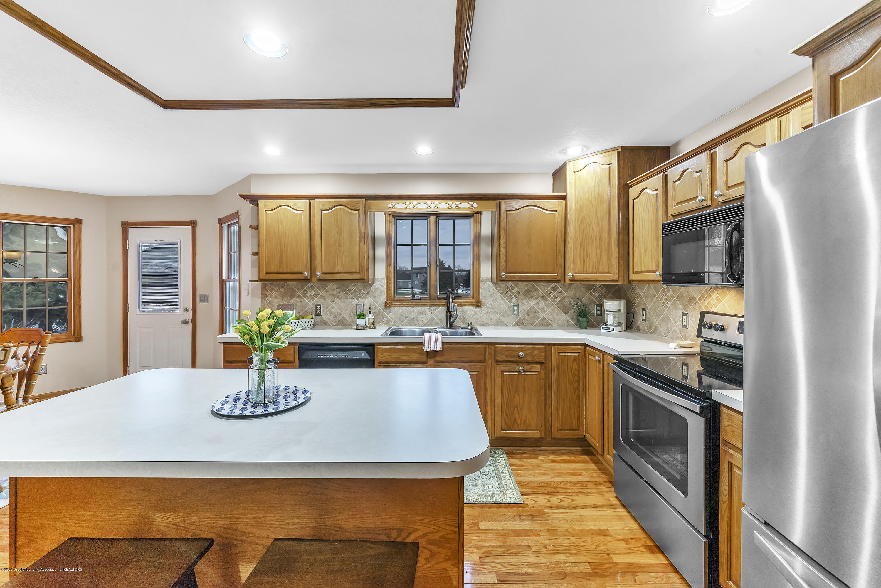 2440 Gilbert Rd - Kitchen - 17