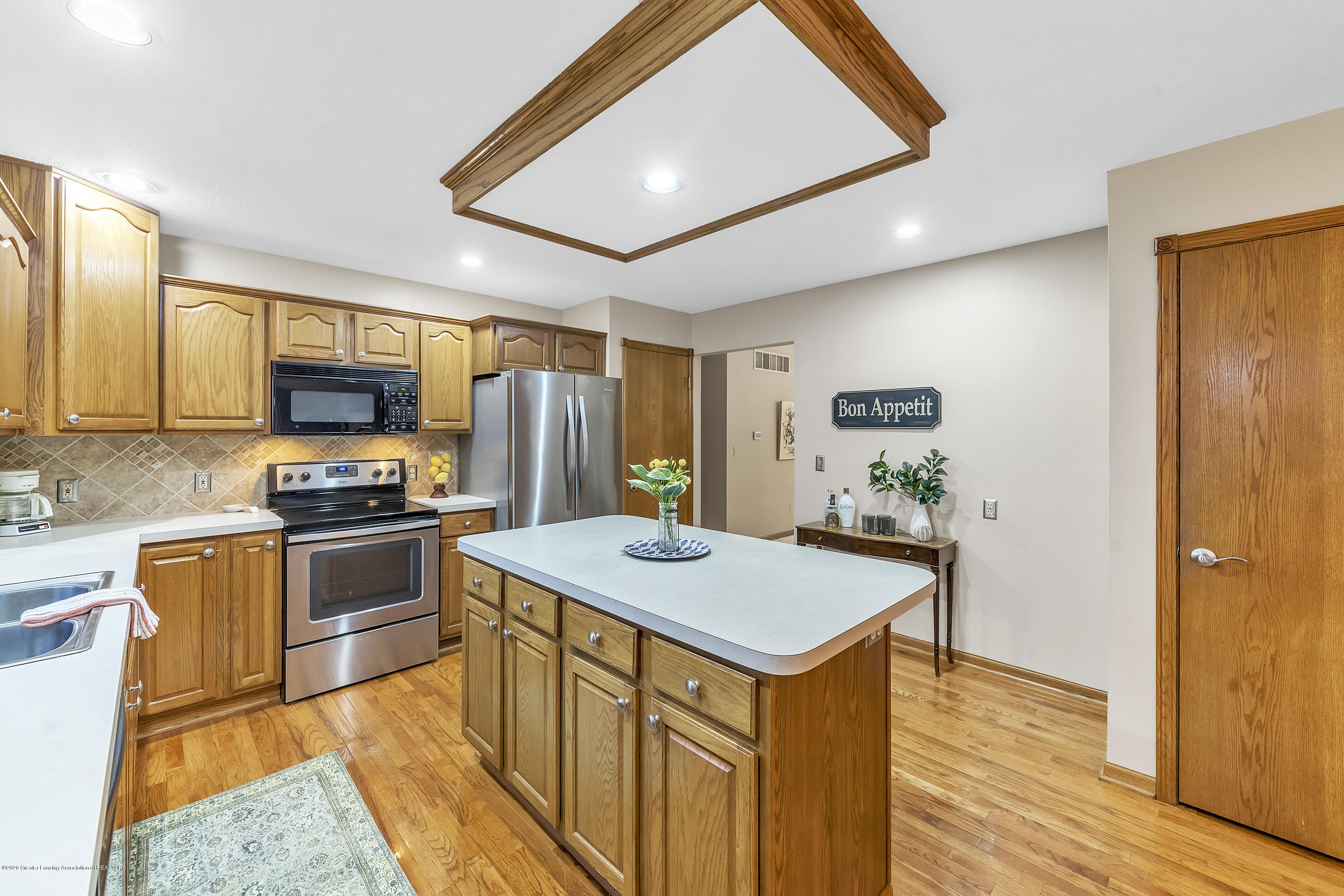 2440 Gilbert Rd - Kitchen3 - 18