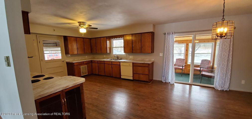 8820 Bradford Hwy - Kitchen & dining - 7