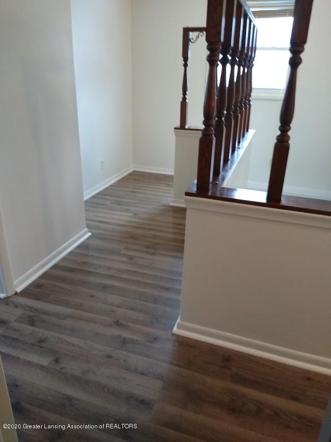 4184 Hancock Dr - upstairs hall - 23