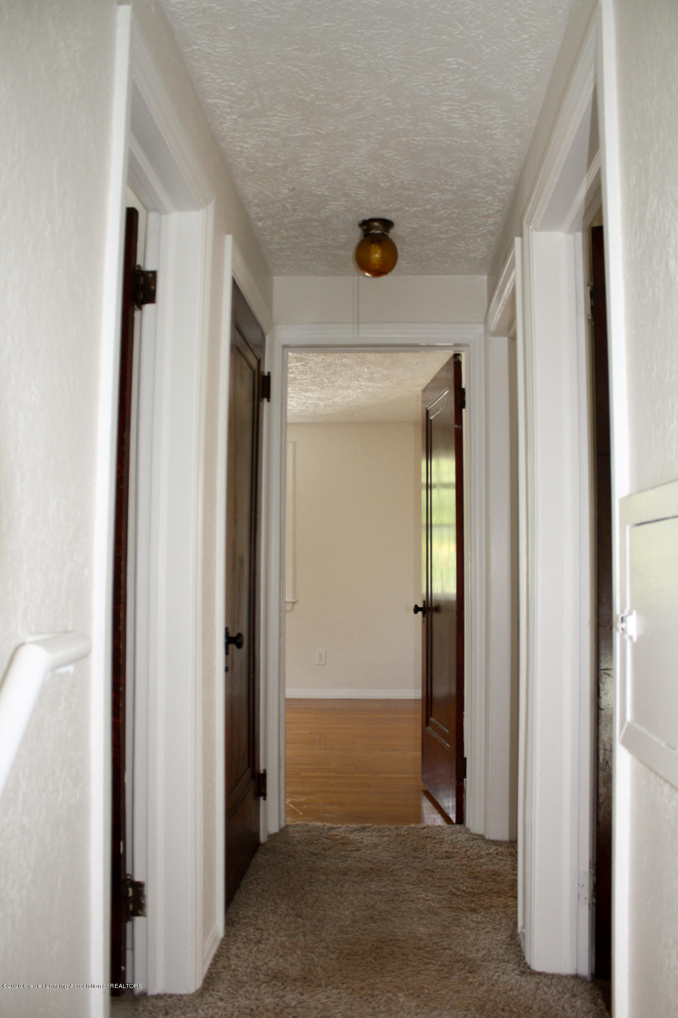 2114 Colvin Ct - Hallway - 11
