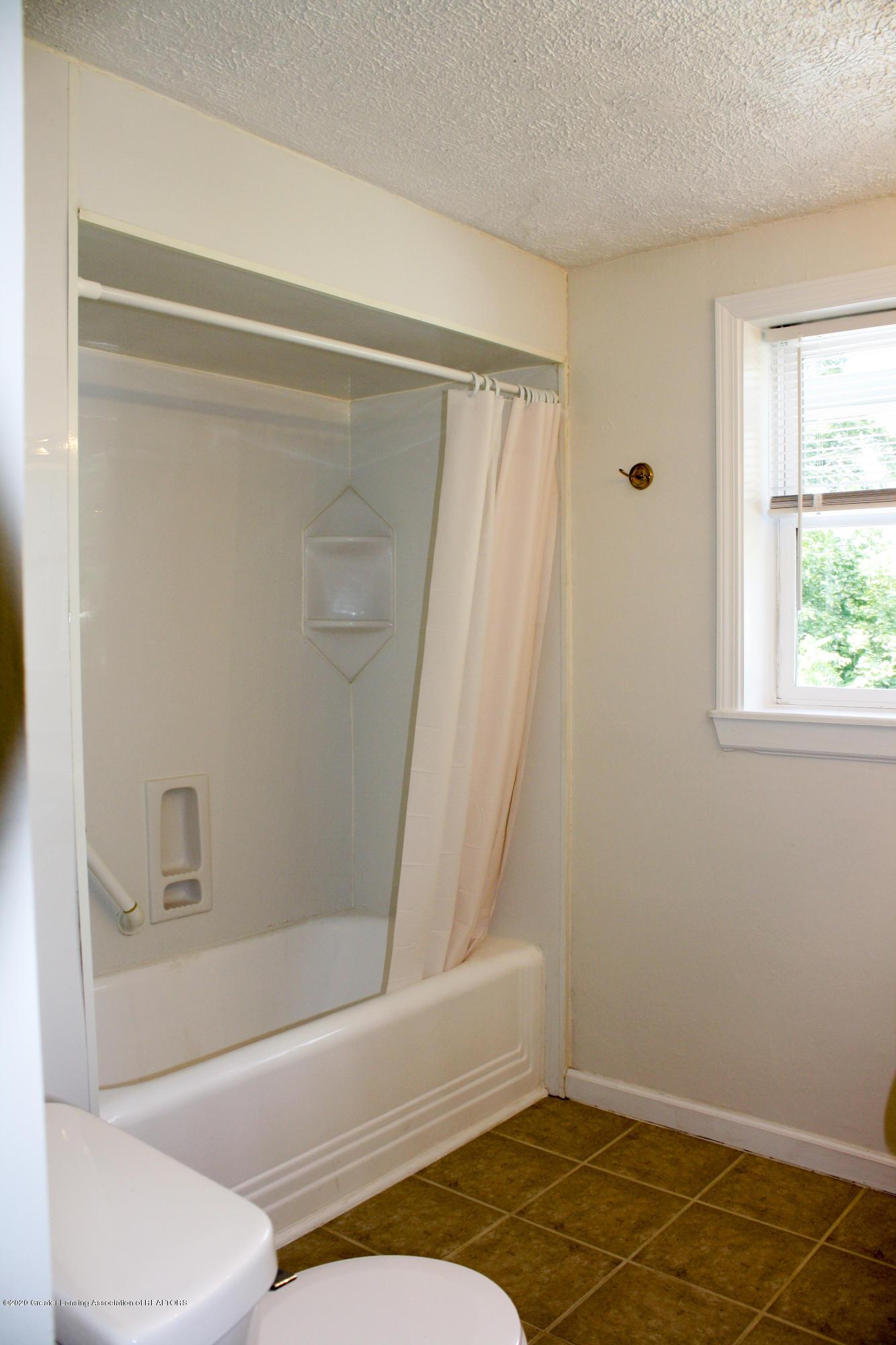 2114 Colvin Ct - Bathroom - 12