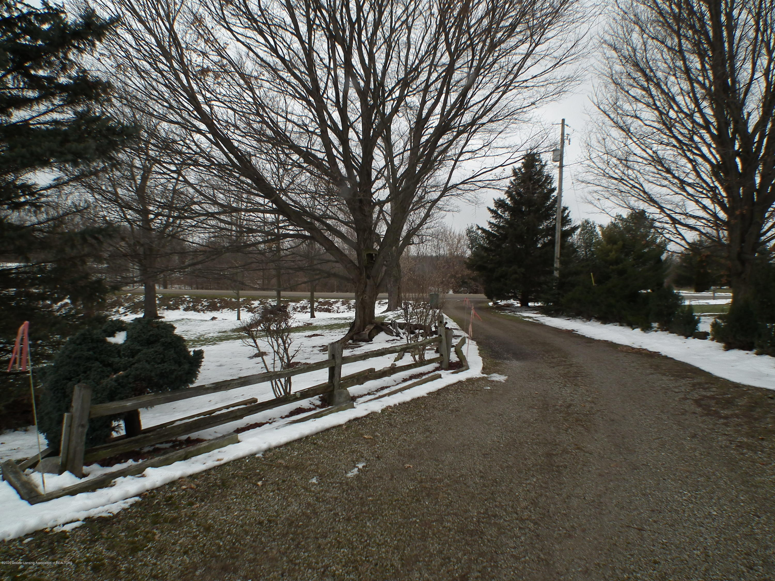 1727 S Waverly Rd - Driveway to Road - 47