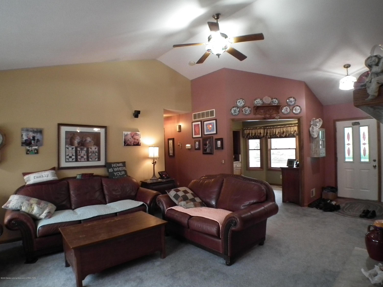 1727 S Waverly Rd - Living room b - 5