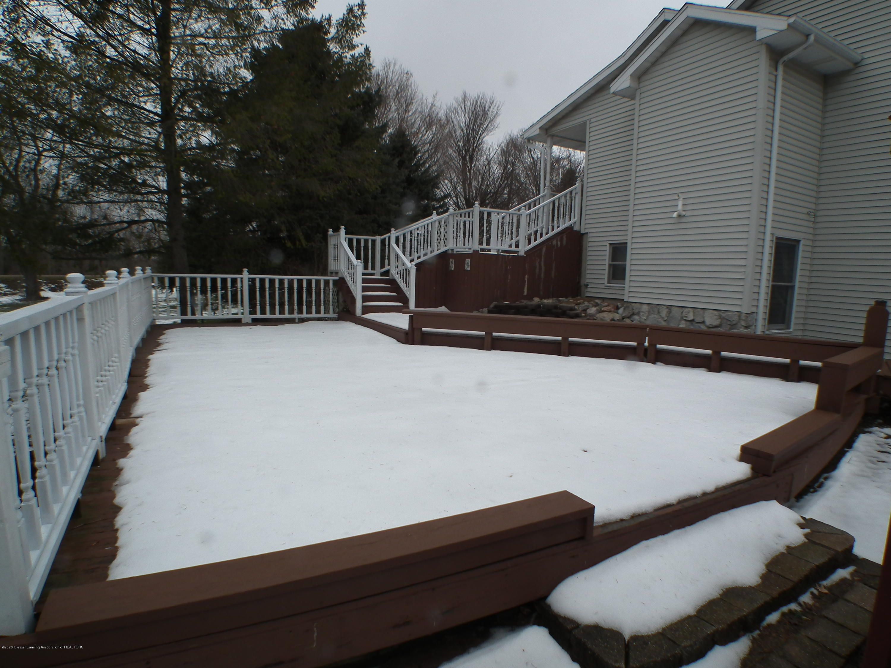 1727 S Waverly Rd - Side deck - 40