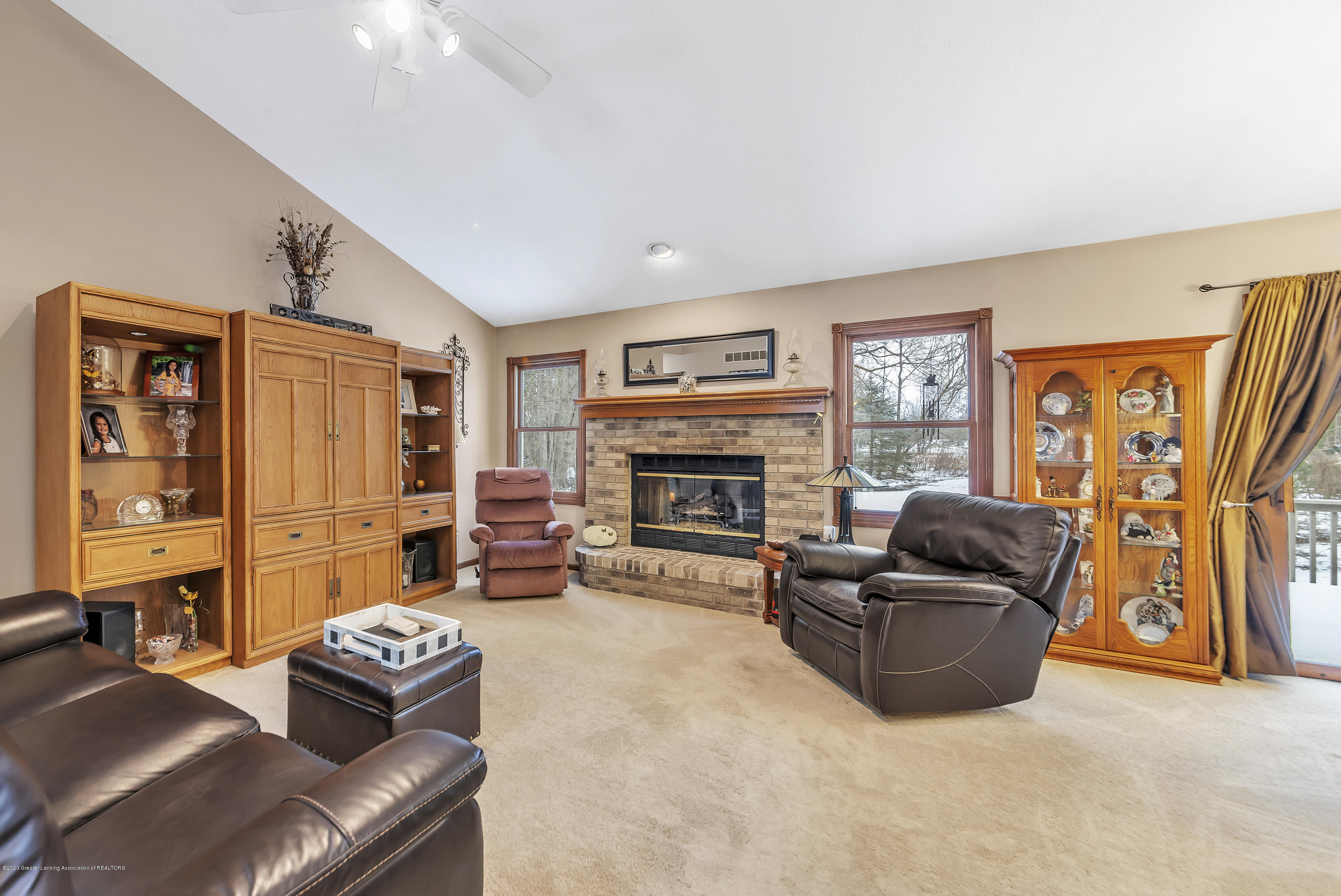 2354 Anchor Ct - Living Room - 4
