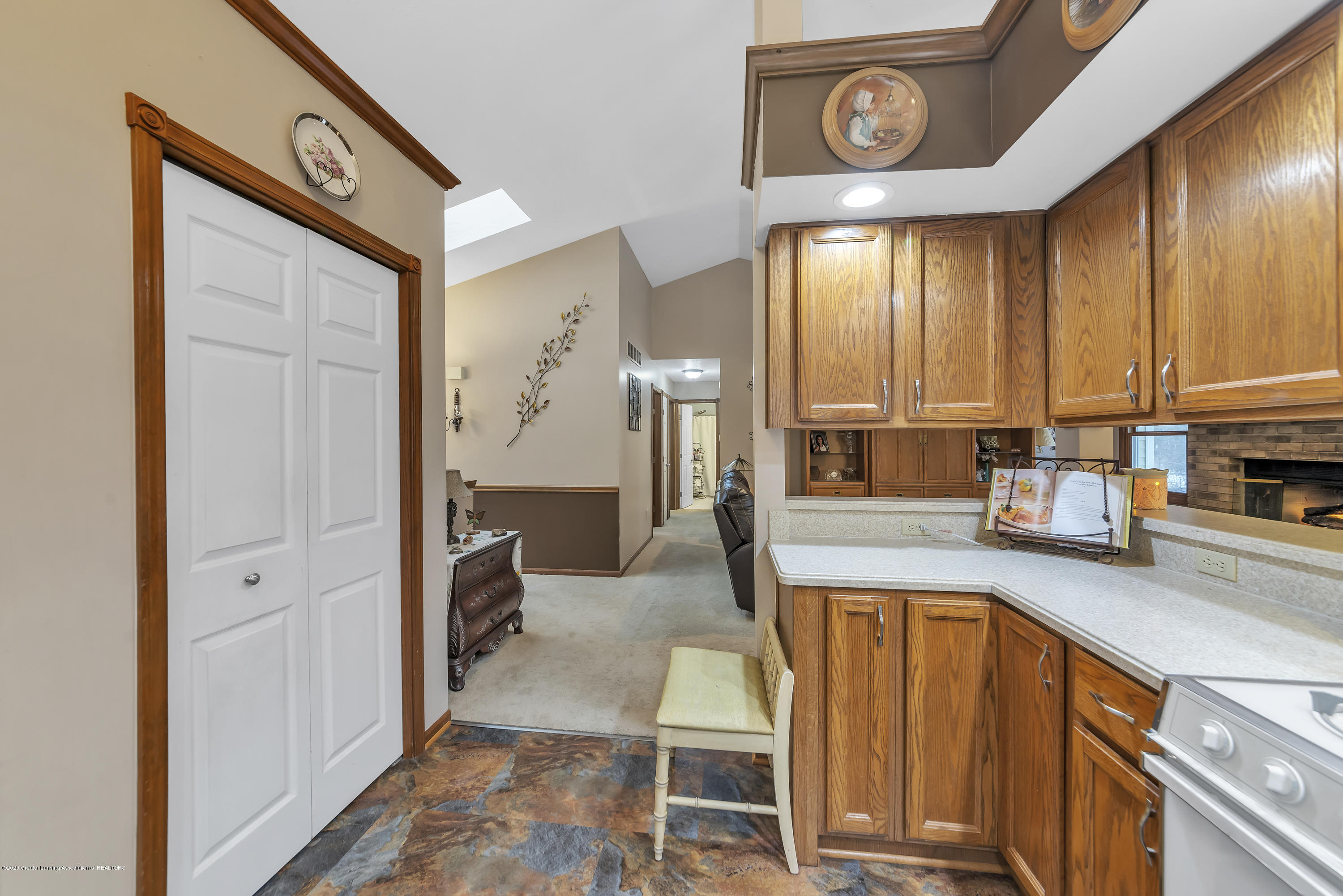2354 Anchor Ct - Pantry - 10
