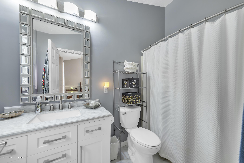 2354 Anchor Ct - Master Bathroom - 17