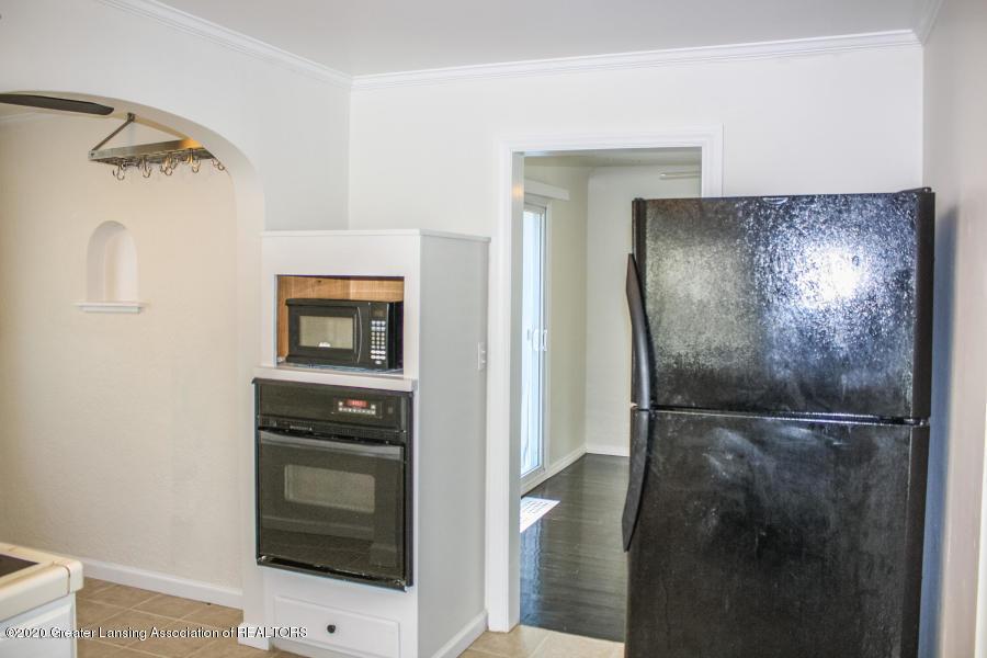 2114 Colvin Ct - Kitchen - 9
