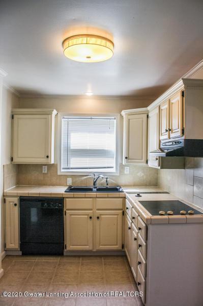 2114 Colvin Ct - Kitchen - 4