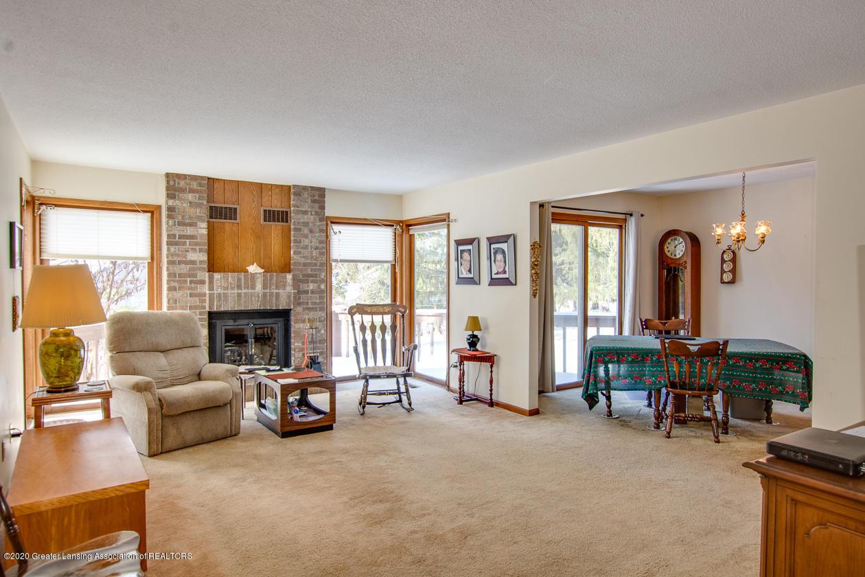 3827 Dobie Rd - Living Room - 4