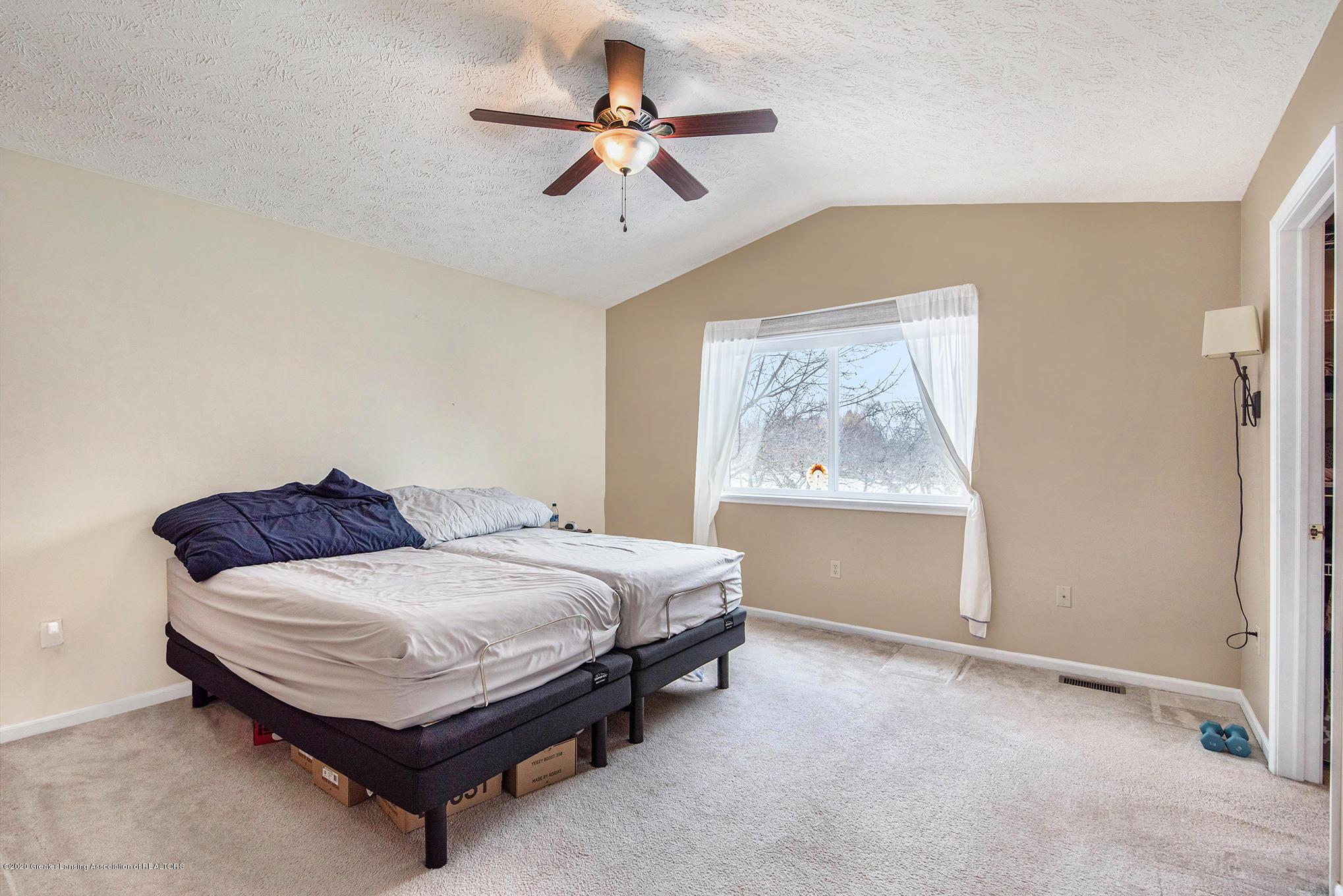 1253 Sumac Ln - Master Bedroom - 15