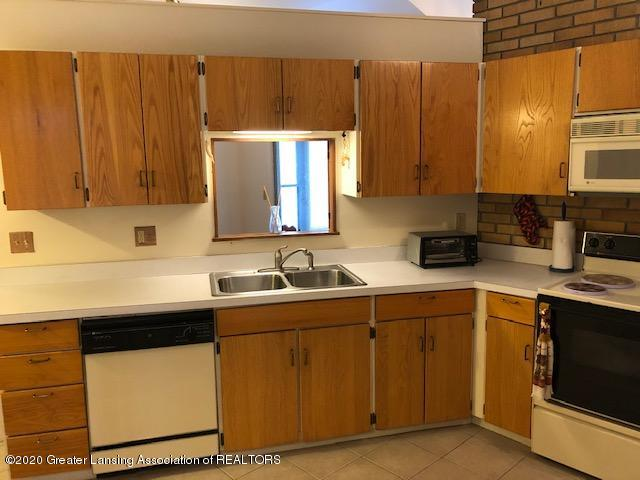 4329 Tacoma Cir - Kitchen - 10